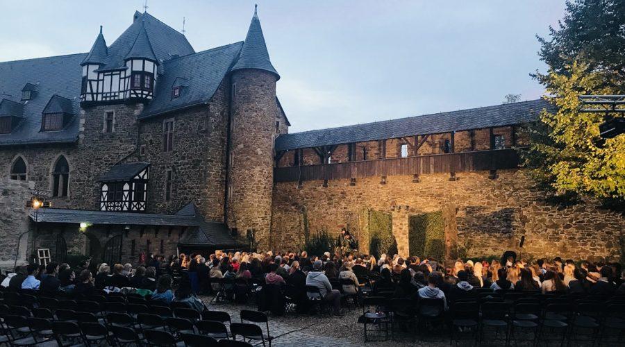 Theater Besuch in Schloß Burg